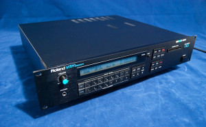 Roland D550